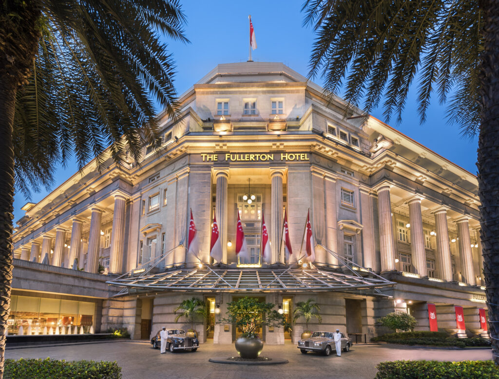 How Fullerton Hotel Pampers Everyone with Total Satisfaction on Rooms